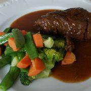 Rindsroulade mit Gemüse aus dem Dampfgarer - ConnyPURE