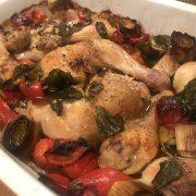 Rezept für Hühnerkeulen mit Gemüse aus dem Ofen - ConnyPURE