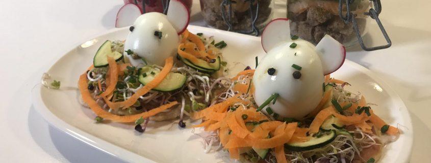 Fladenbrot und Eier-Mäuse zum Osterbrunch