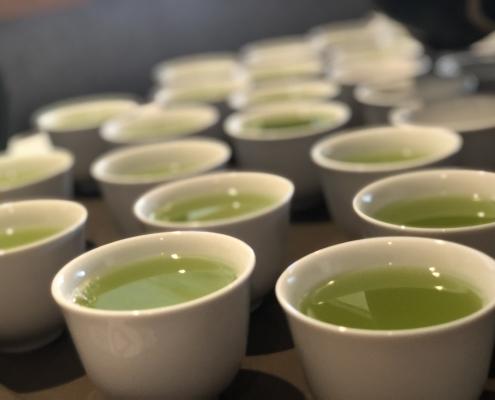 Grüner Tee für die Teezeremonie